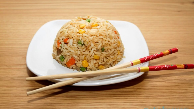 אורז מוקפץ בסגנון סיני