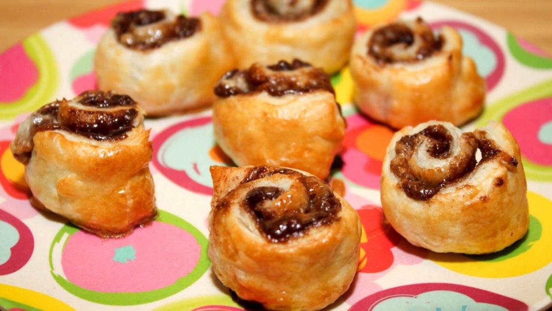 עוגיות בצק עלים שוקולד נוטלה ושערות חלווה